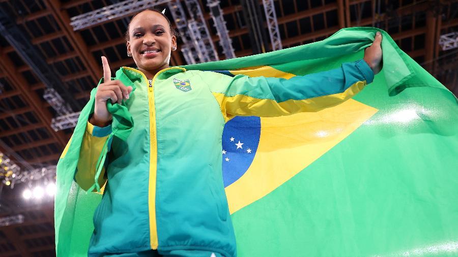 Rebeca Andrade conquistou ouro e prata na ginástica artística em Tóquio-2020 - Laurence Griffiths/Getty Images