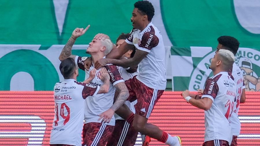 Confira a tabela atualizada do Brasileirão após a vitória do Flamengo diante do Palmeiras