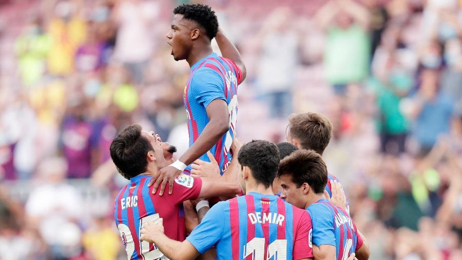 Ansu Fati marca o terceiro gol do Barcelona na vitória contra o Levante - GettyImages