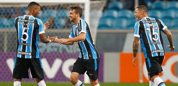 Maxi Rodríguez (Centro) deve acertar transferência para o Peñarol, do Uruguai