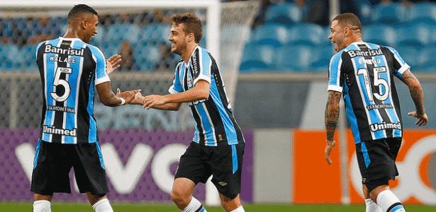 Meia Maxi Rodríguez é um dos jogadores que ainda pode sair do Grêmio - Lucas Uebel/Divulgação/Grêmio