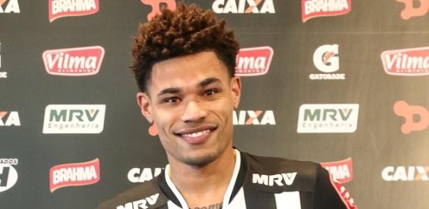 Júnior Urso foi apresentado pelo Atlético-MG. É o quinto reforço do clube para 2016 - Bruno Cantini/Clube Atlético Mineiro
