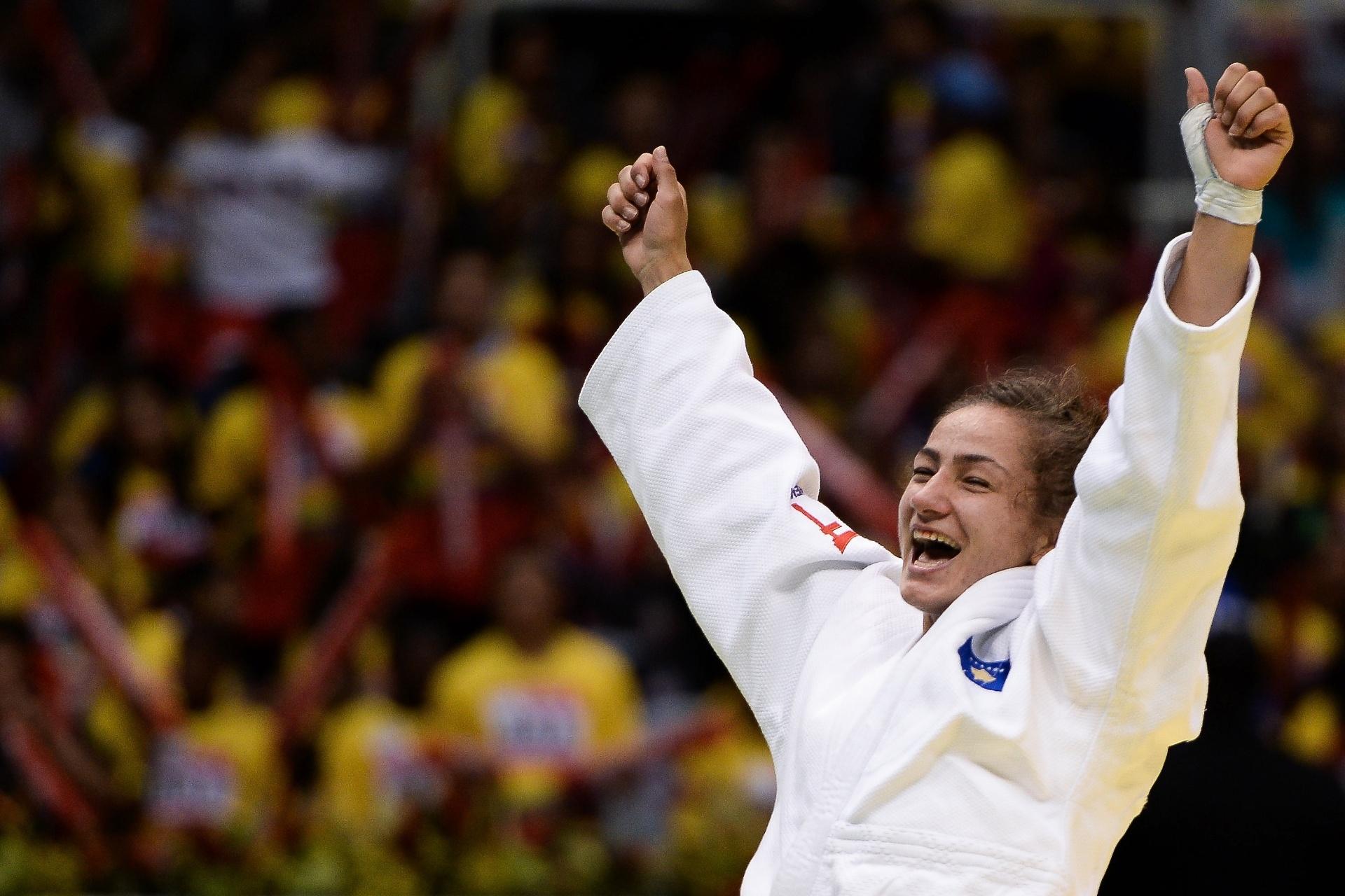 Majlinda comemora título mundial de 2013, no Rio de Janeiro