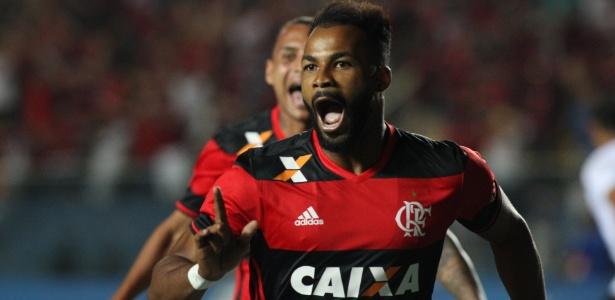 Fernandinho pode voltar ao Grêmio e não deve ser aproveitado de novo