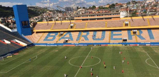 Arena Barueri apresenta baixo público para a estreia de Rogério Ceni no Paulistão