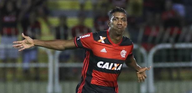 Berrío deve jogar normalmente contra o Resende, pelo Carioca, em Volta Redonda