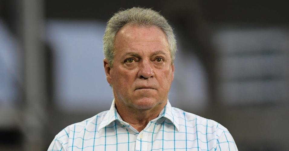 O técnico Abel Braga na partida entre Fluminense e Salgueiro, pela Copa do Brasil