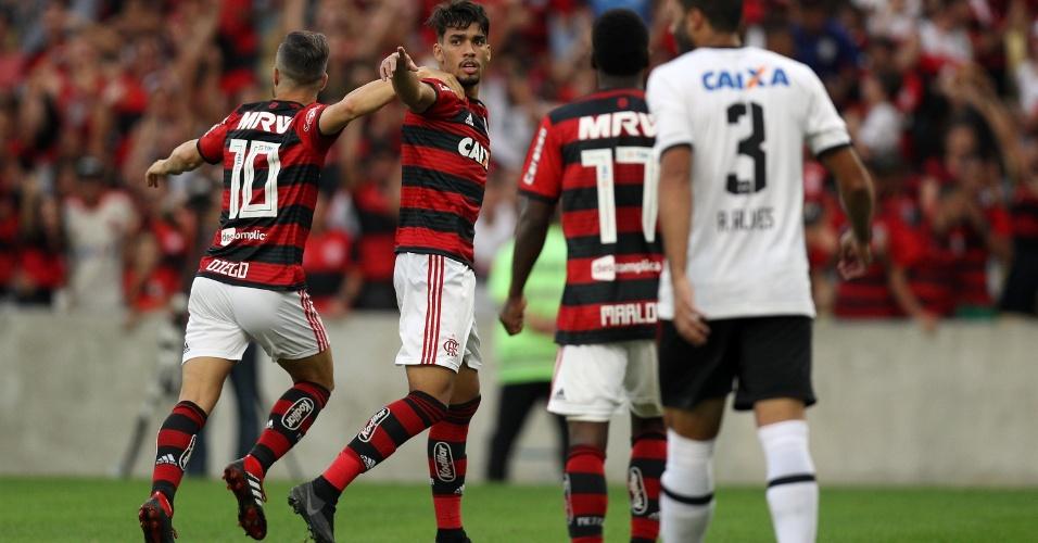 Lucas Paquetá comemora o segundo gol do Flamengo diante do Sport