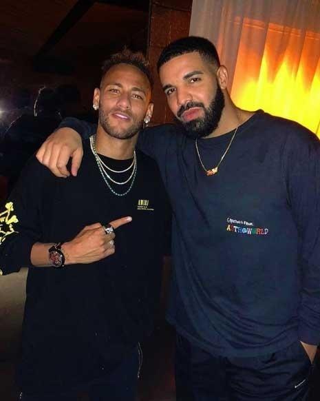 Neymar posa com o rapper Drake em encontro em Nova York, antes de amistoso da seleção