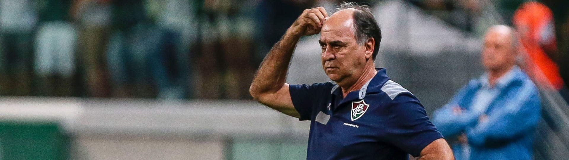 Técnico do Fluminense, Marcelo Oliveira acompanha jogo contra o Palmeiras