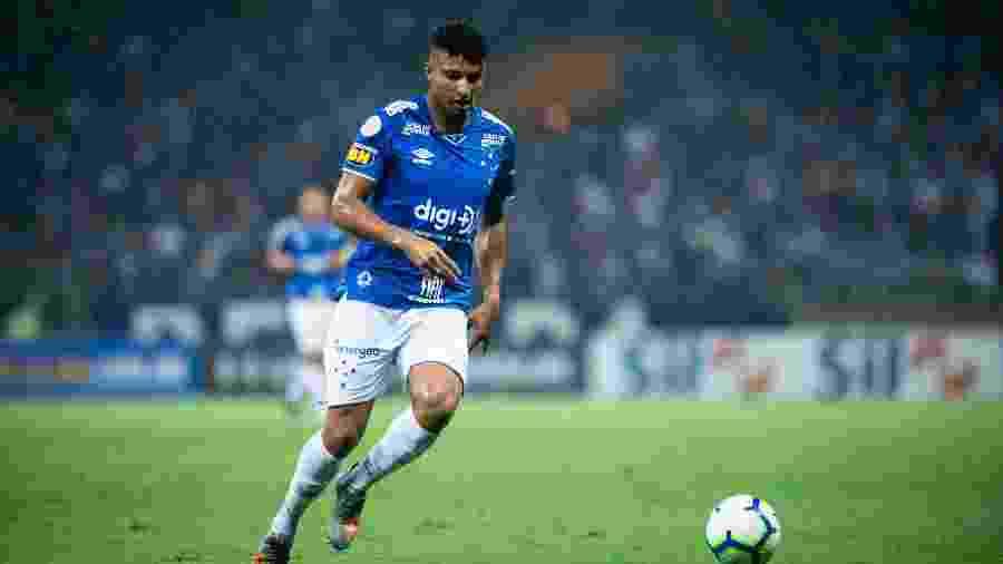 """Volante Éderson, ex-Cruzeiro, pode defender o Corinthians. A contratação é considerada """"oportunidade de mercado"""" - Bruno Haddad/Cruzeiro"""