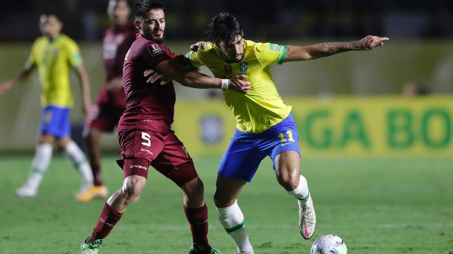 Lucas Paquetá tenta jogada durante Brasil x Venezuela nas Eliminatórias para a Copa - Andre Penner-Getty Images