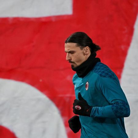 Ibrahimovic vai ser desfalque nas oitavas da Liga Europa - ANDREJ ISAKOVIC/AFP