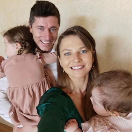Robert Lewandowski, do Bayern de Munique, publicou foto da família na Páscoa - Reprodução/Instagram