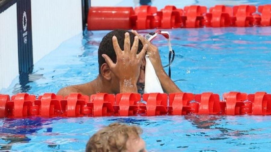 Ahmed Hafnaoui ficou surpreso e emocionado ao saber que vencera os adversários - Getty Images