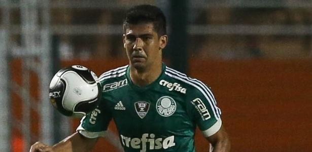 Leandro Almeida saiu do time titular depois de falha contra o São Bento