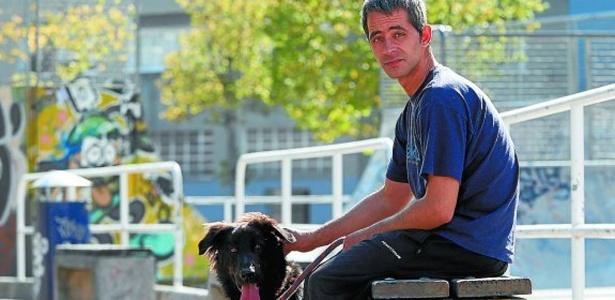 Rubén vivia nos arredores do estádio Anoeta com seu cachorro Mundo