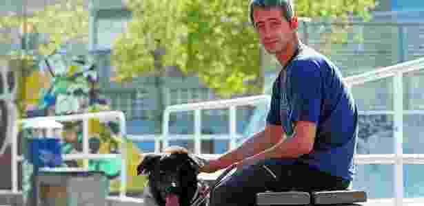 Rubén vivia nos arredores do estádio Anoeta com seu cachorro Mundo - Marca/Reprodução