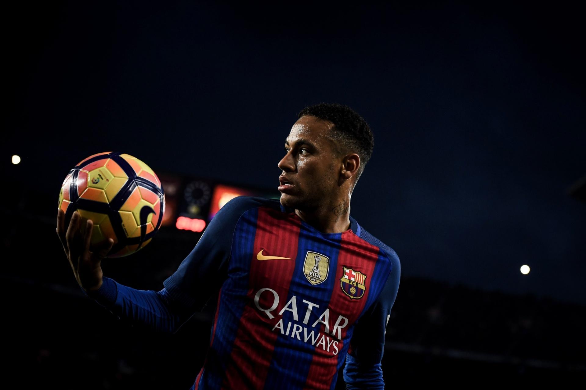 Neymar afirma não ligar para a Bola de Ouro