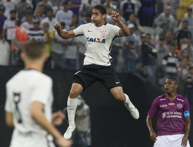 Pablo, zagueiro do Corinthians: primeira chance real de sequência em clube grande