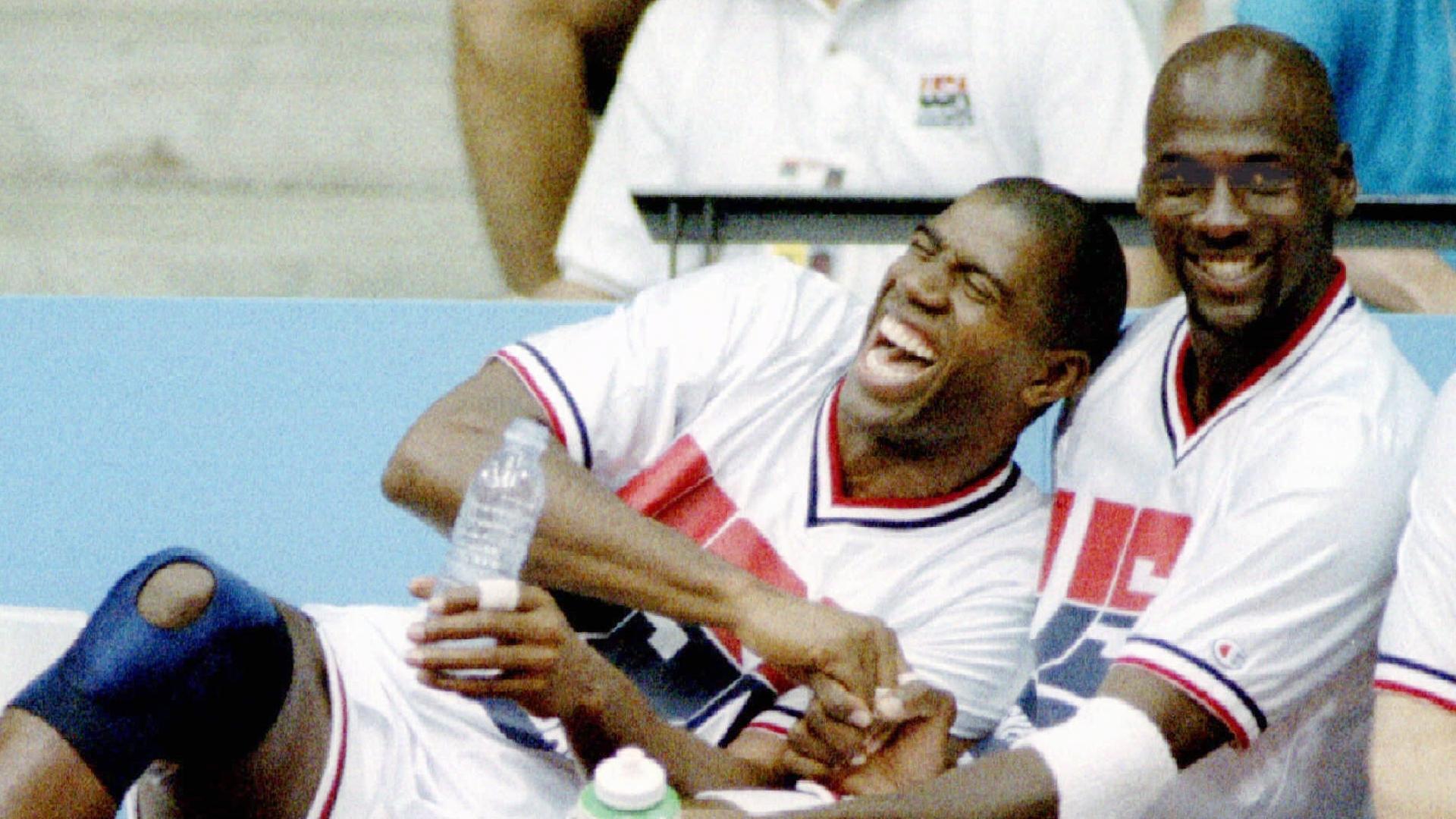Magic Johnson e Michael Jordan durante as Olimpíadas de 1992