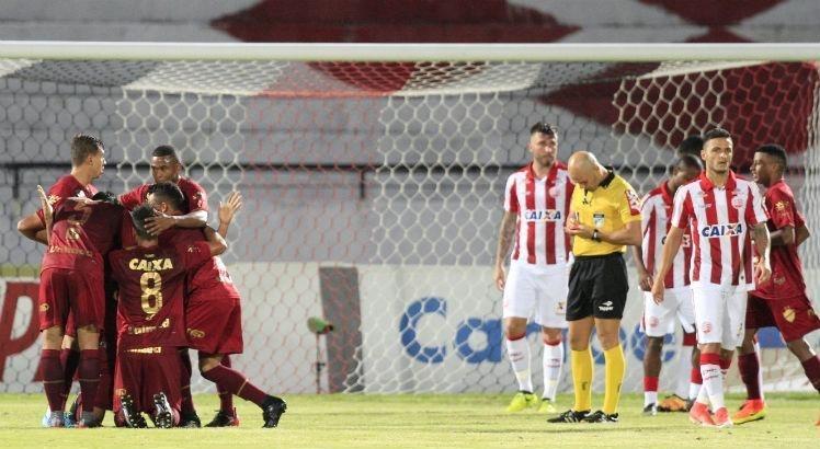 Vila Nova venceu o Náutico, mas não conseguiu o acesso