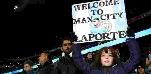 Torcida do Manchester City dá as boas-vindas ao estreante Laporte - @ManCity/Twitter - @ManCity/Twitter