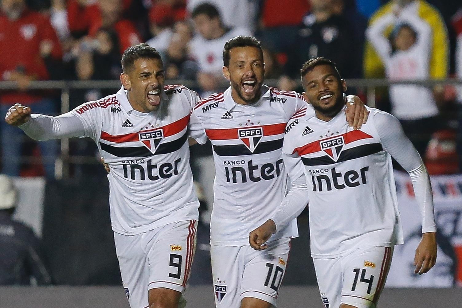 b9fd5e2db3 SP faz 3 no Corinthians com