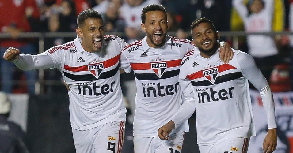 Brasileirão | São Paulo faz 3 no Corinthians com