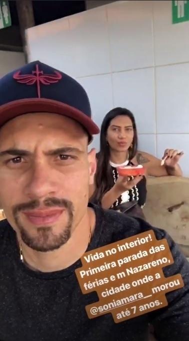 A primeira parada das férias de Moisés, meio-campista do Palmeiras, foi em Nazareno (MG), cidade em que sua mulher Sônia Mara viveu até os 7 anos