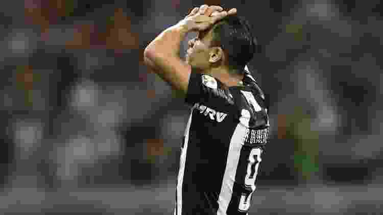 Ricardo Oliveira lamenta - Douglas Magno/AFP - Douglas Magno/AFP