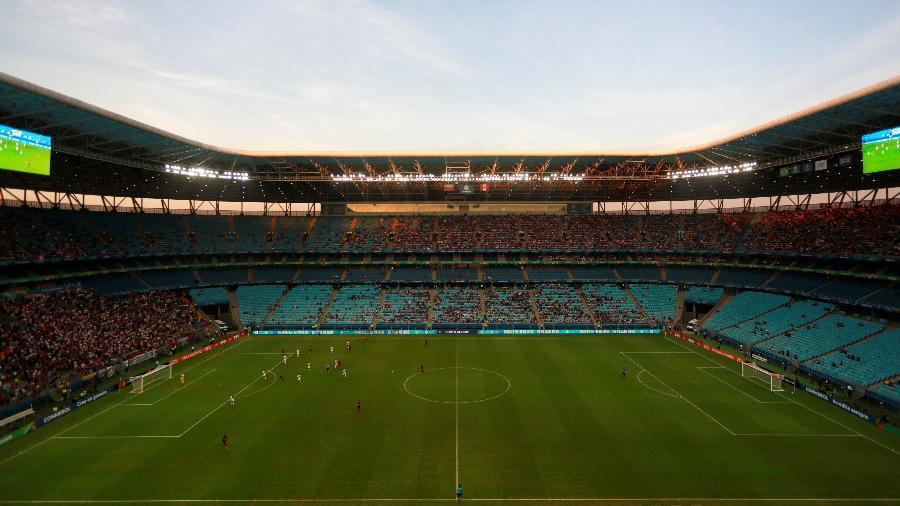 Arena do Grêmio tem sido duramente criticada pelo estado do gramado - Diego Vara/Reuters
