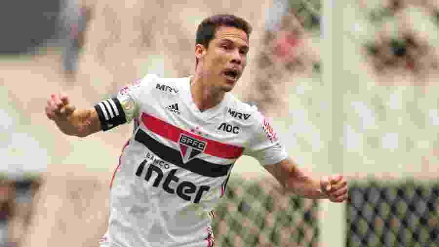 Hernanes comemora gol do São Paulo - Wallace Teixeira/Futura Press/Estadão Conteúdo