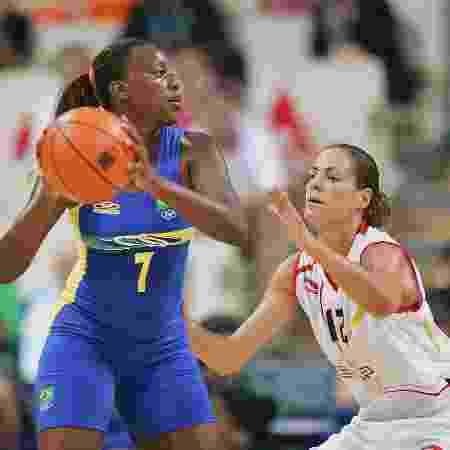 Leila Sobral em partida dos Jogos Olímpicos de 2004, em Atenas - Stuart Franklin/Getty Images