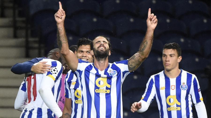 Sérgio Oliveira marcou o segundo gol do Porto - MIGUEL RIOPA/AFP