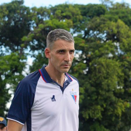 Vojvoda deu primeiro treino à equipe nesta segunda-feira (10) - Leonardo Moreira/Fortaleza