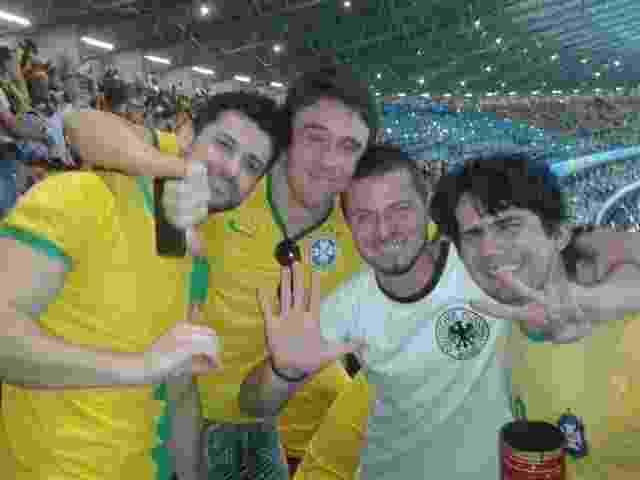 Steffen Rosenbach, alemão que veio ao Brasil para ver a Copa do Mundo, fala com bastante carinho do 7 a 1 e guarda as fotos tiradas com brasileiros bem-humorados como recordação - Arquivo Pessoal