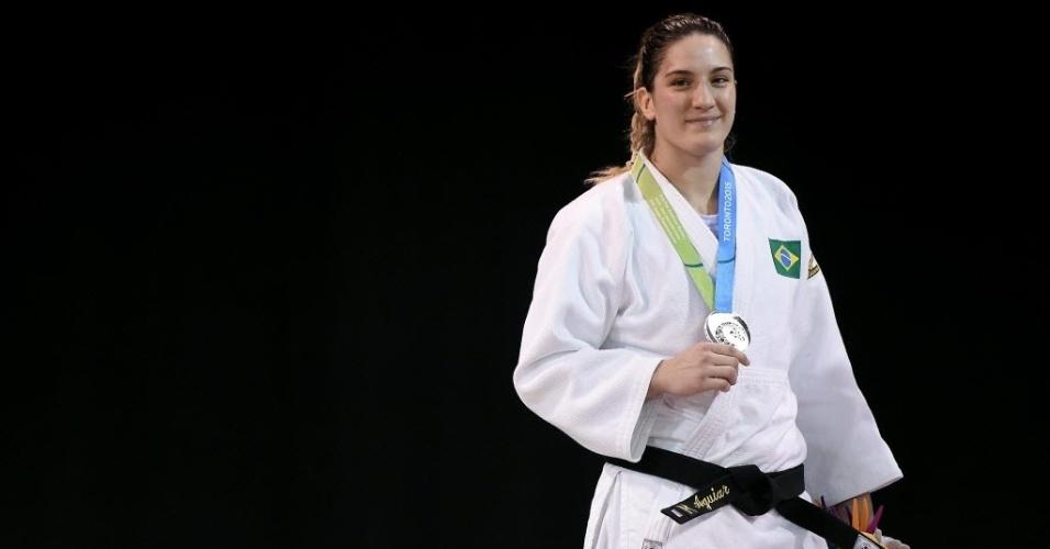 Mayra Aguiar com medalha de prata após perder a final da categoria até 78kg do judô