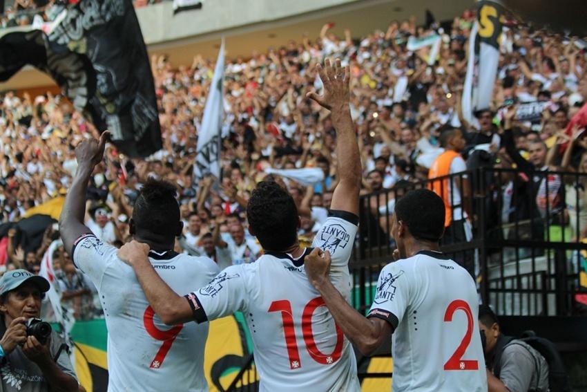 Jogadores do Vasco comemoram conquista da Taça Guanabara