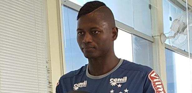 Riascos vai treinar separado dos companheiros até o clube conseguir negociar sua saída - Cruzeiro/Divulgação