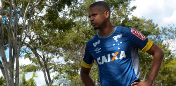 Edimar, lateral esquerdo do Cruzeiro, reencontra o Flamengo, time de infância
