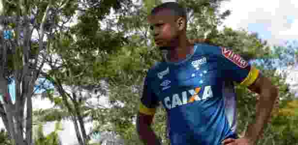 Edimar, lateral esquerdo do Cruzeiro, reencontra o Flamengo, time de infância - Washington Alves/Light Press
