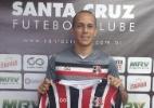 Derley volta ao Santa Cruz após 6 meses e diz que time brigará pelo acesso - Divulgação/Santa Cruz