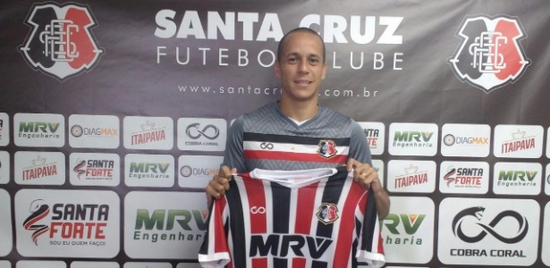 Derley deixou o Arruda no começo do ano para jogar no futebol árabe