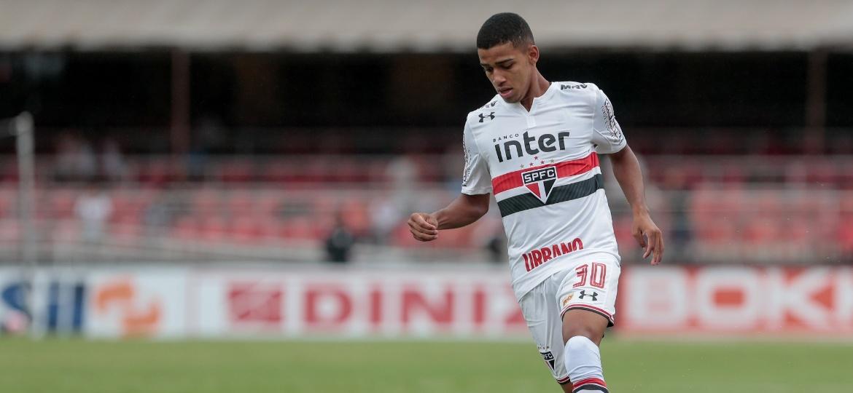 Brenner em ação pelo São Paulo; atacante foi até Londres e conviveu com a seleção brasileira - Marcello Zambrana/AGIF