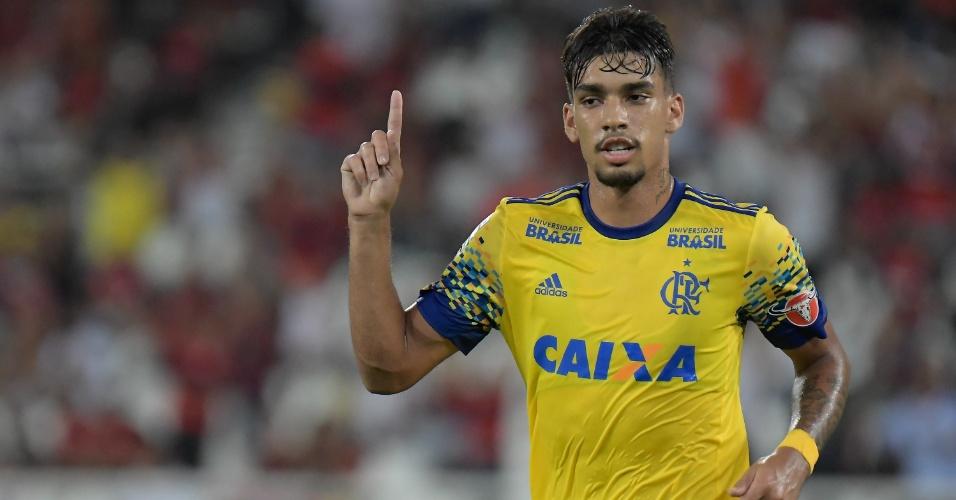 Lucas Paquetá comemora o segundo gol do Flamengo sobre o Madureira