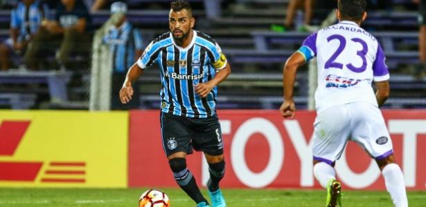 Volante tem contrato até junho do ano que vem, mas Grêmio já quer acertar renovação