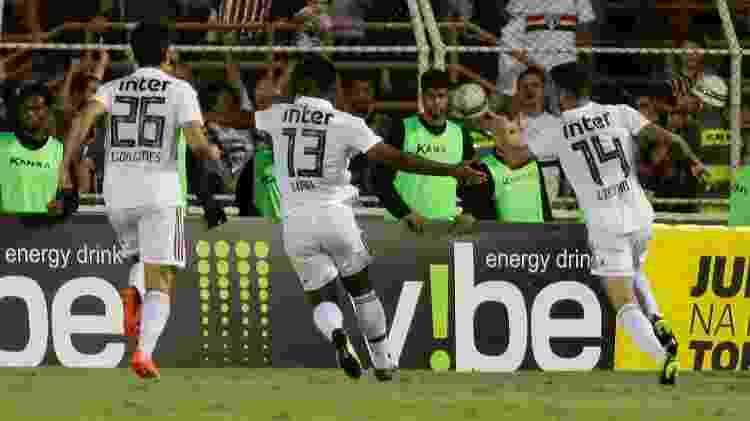 Liziero comemora após marcar pelo São Paulo sobre o Ituano - Marcello Zambrana/AGIF - Marcello Zambrana/AGIF