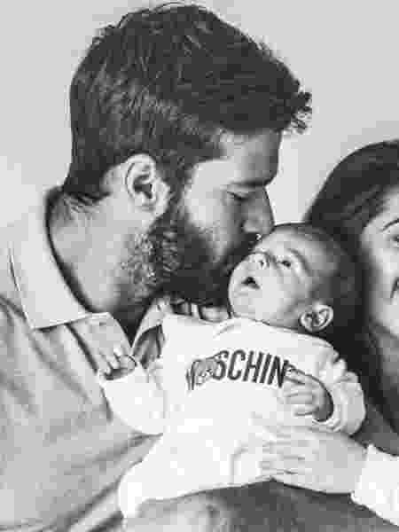 Alisson deixou a concentração durante a Copa América para ver nascimento do filho - Reprodução/Instagram