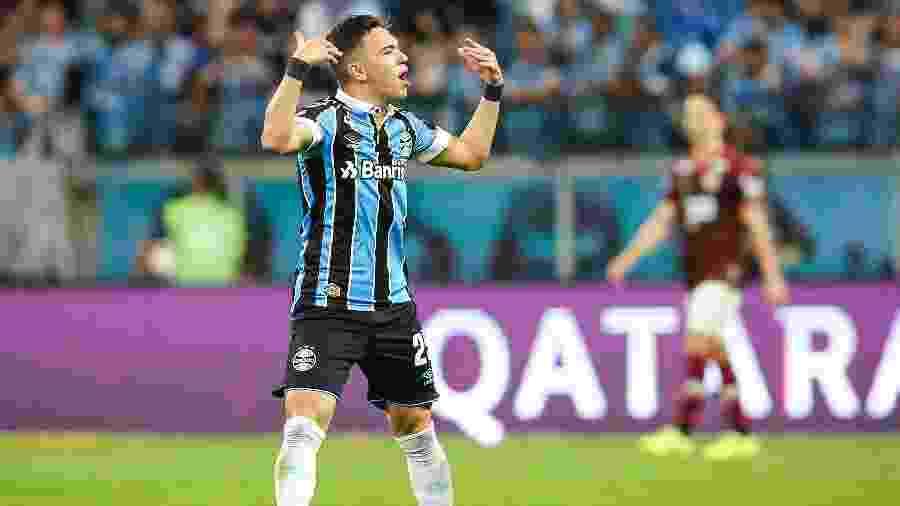 Pepê é destaque do time de garotos do Grêmio que encara o Goiás - Pedro H. Tesch/AGIF